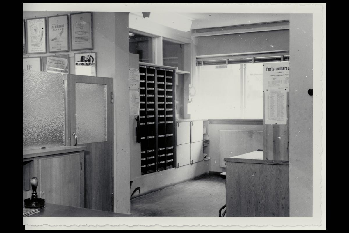 interiør, postkontor, 6700 Måløy, postbokser