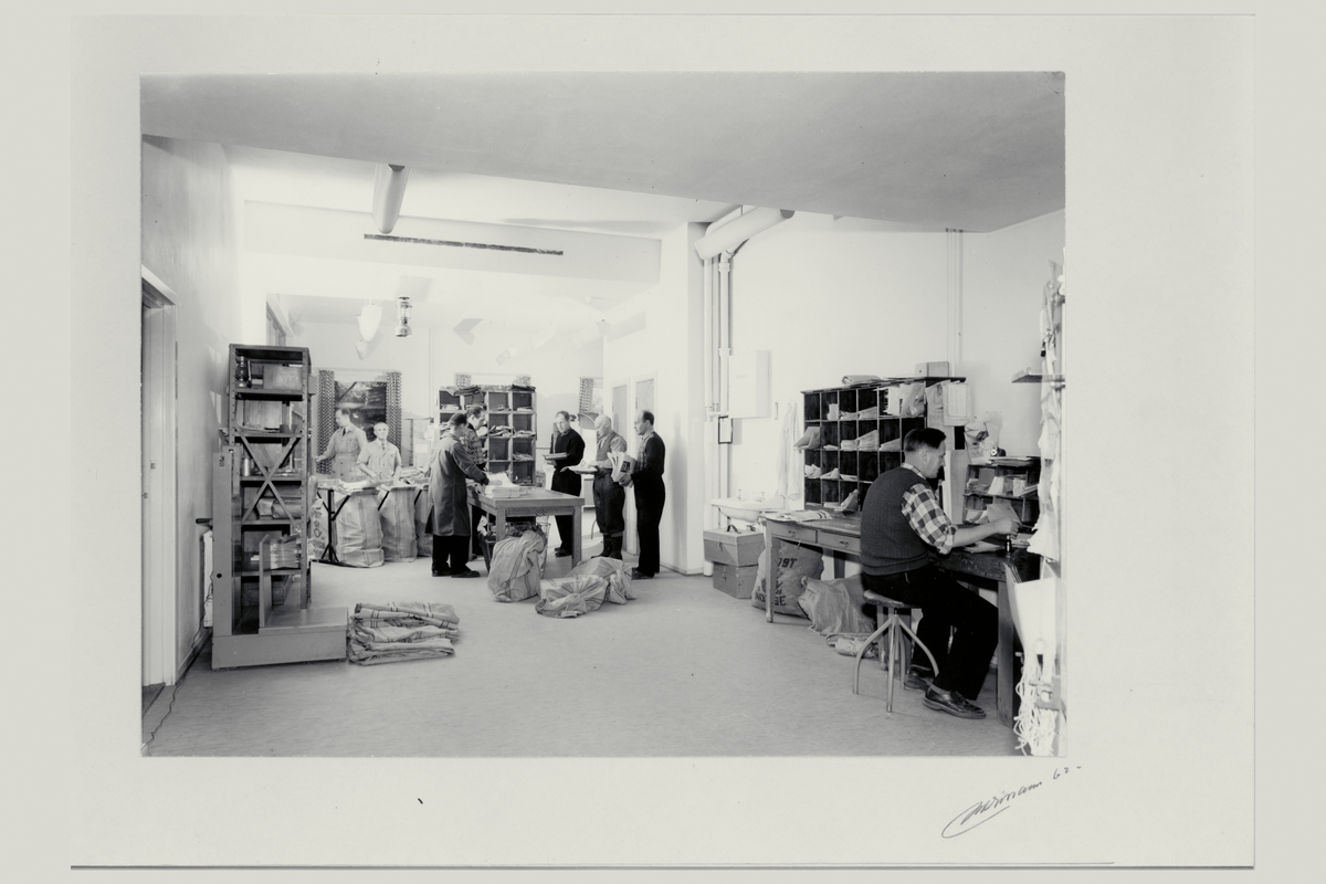 interiør, postkontor, 2400 Elverum, sortering, postsekker, personale