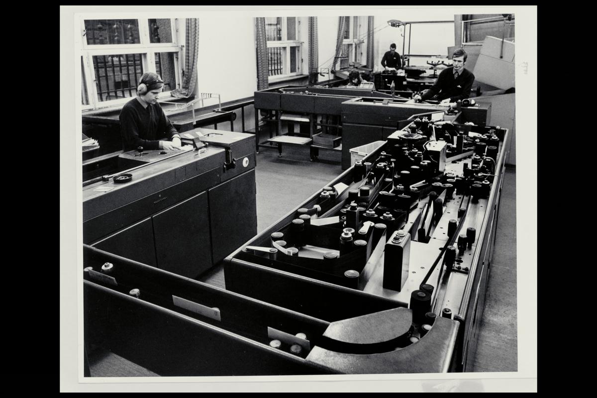 interiør, brevavdelingen, 3 mann, sorteringsanlegget, åpning