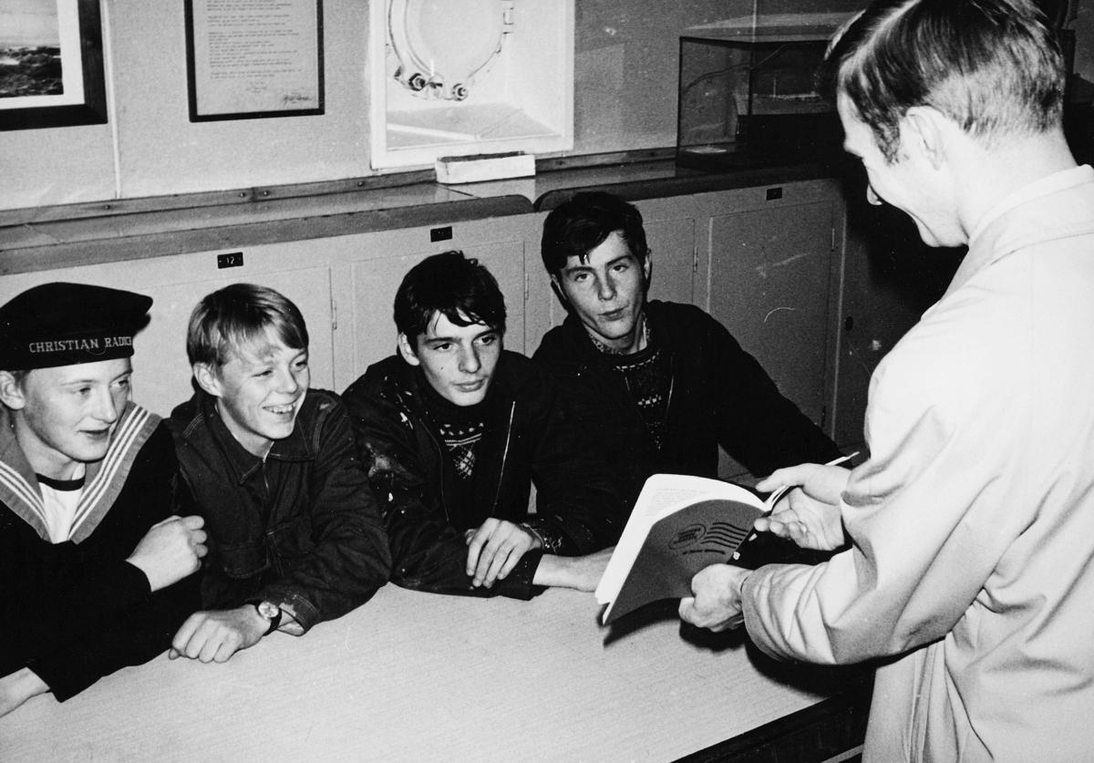 transport, båt, Christian Radich, fire gutter, en mann