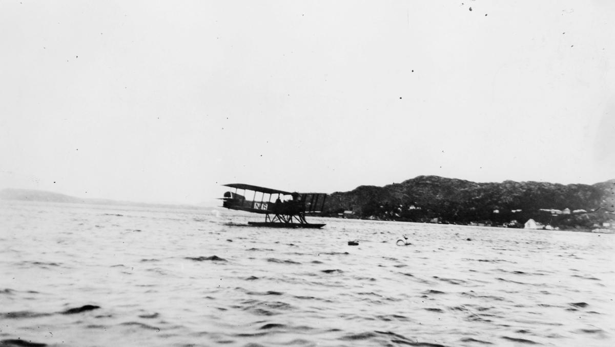 transport, fly, eksteriør, Bergen, Sjøfly N.6, Bergen-Stavanger, på vann