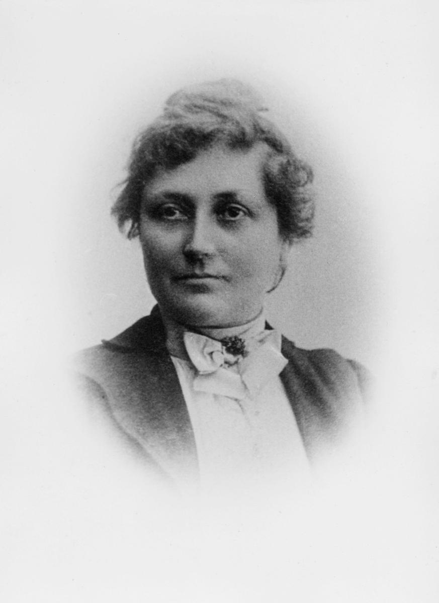 portrett, postmester, Gabrielle Andrea Schiøtz