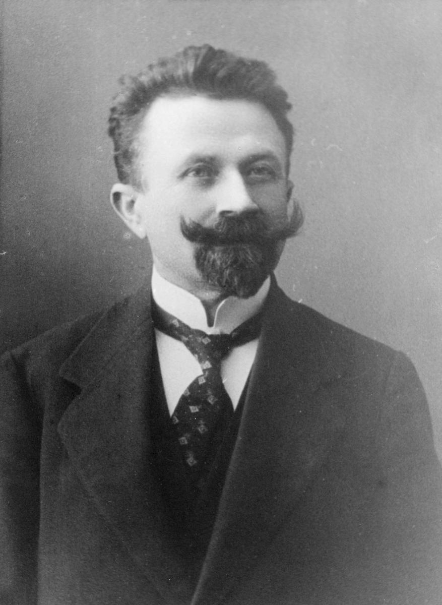 postmester, Tveten Ketil Olsen, portrett