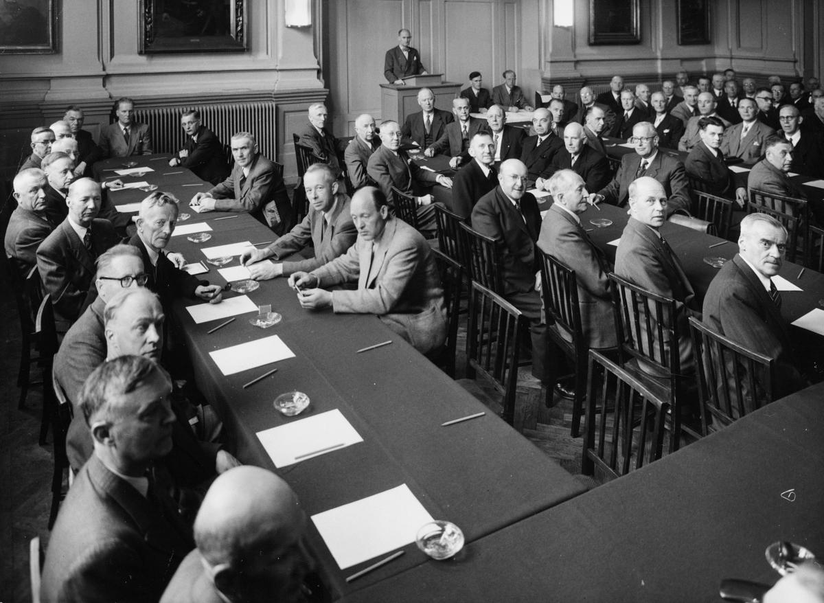 gruppebilde, postmestermøte, Oslo, 21.-23. mai 1951