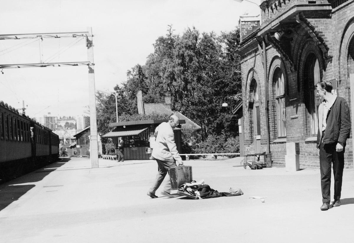 personale, Asbjørn Aarak. Grefsen stasjon, reklamefilm opptak