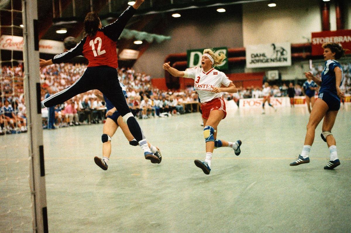 markedsføring, sponsing av idrett, landskamp i håndball, kvinner