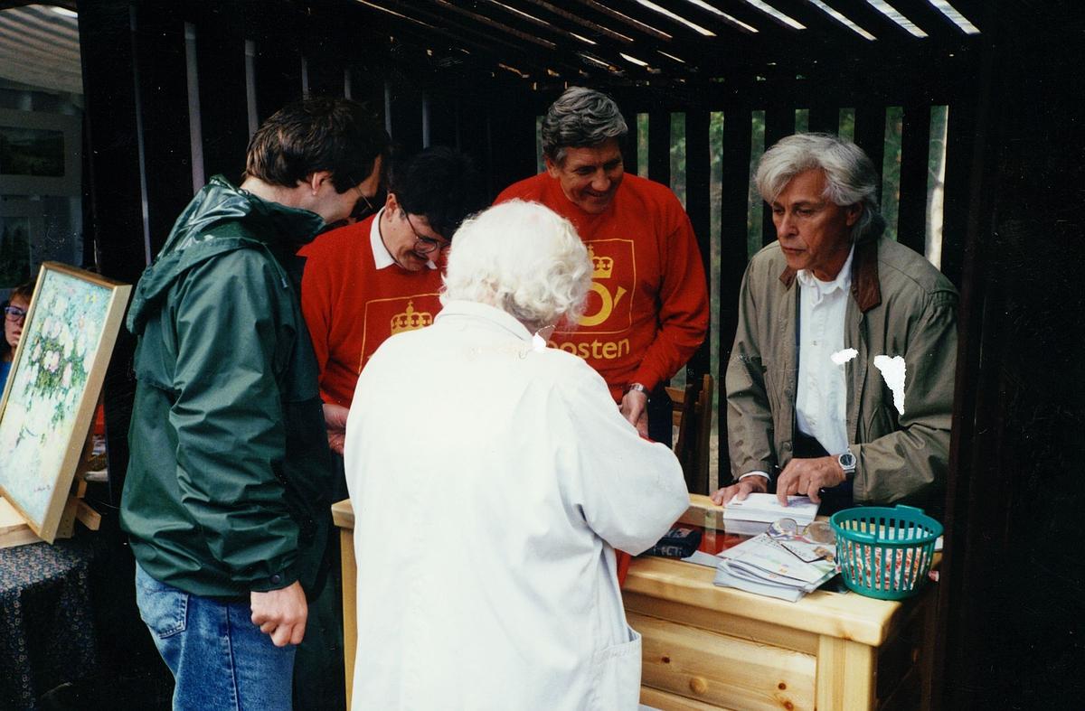 markedsføring, Sjoa, signert Sjoakonvolutt, frimerkekunstner, to postfunksjonærer, to kunder