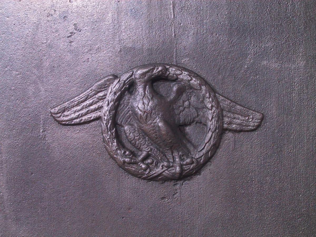 Ganymedes med ørnen i runding midt på langsidene.