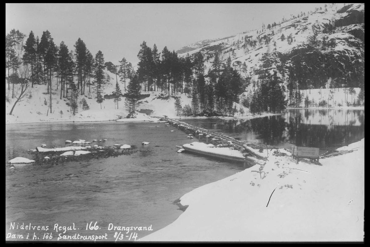 Arendal Fossekompani i begynnelsen av 1900-tallet CD merket 0446, Bilde: 1 Sted: Drangsvann dam Beskrivelse: Under utbygging.