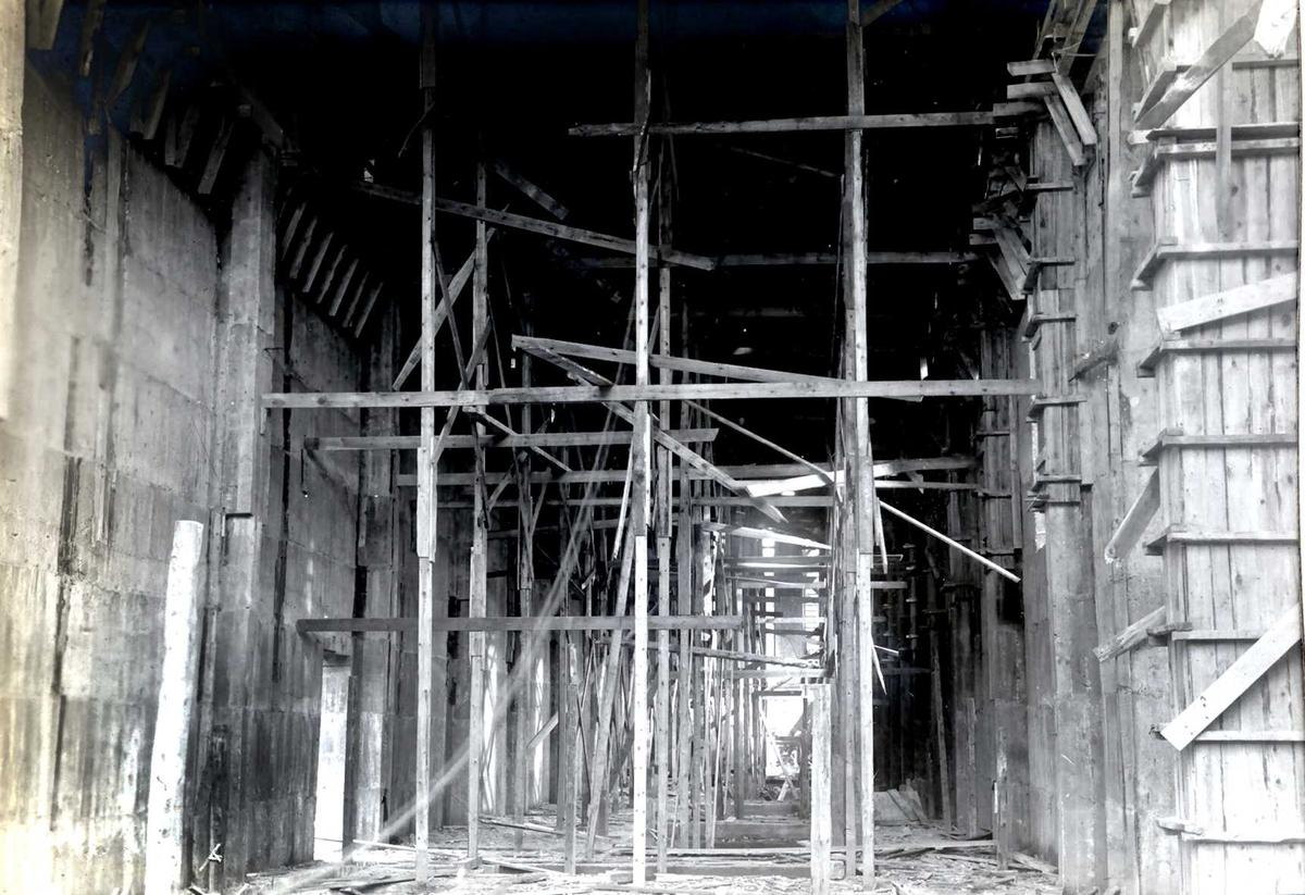 """""""xx/xx-1913"""" Nitriden. Forskalinger og støping av bygning for materiallager, verksteder og kontorer."""