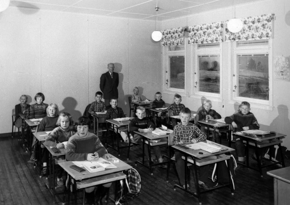 Åmlibilder samlet av Åmli historielag Nelaug skule