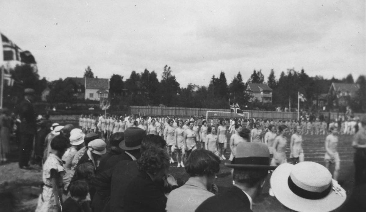 Sportsplassen i Ski 1934. Ski I.L.'s turntropp