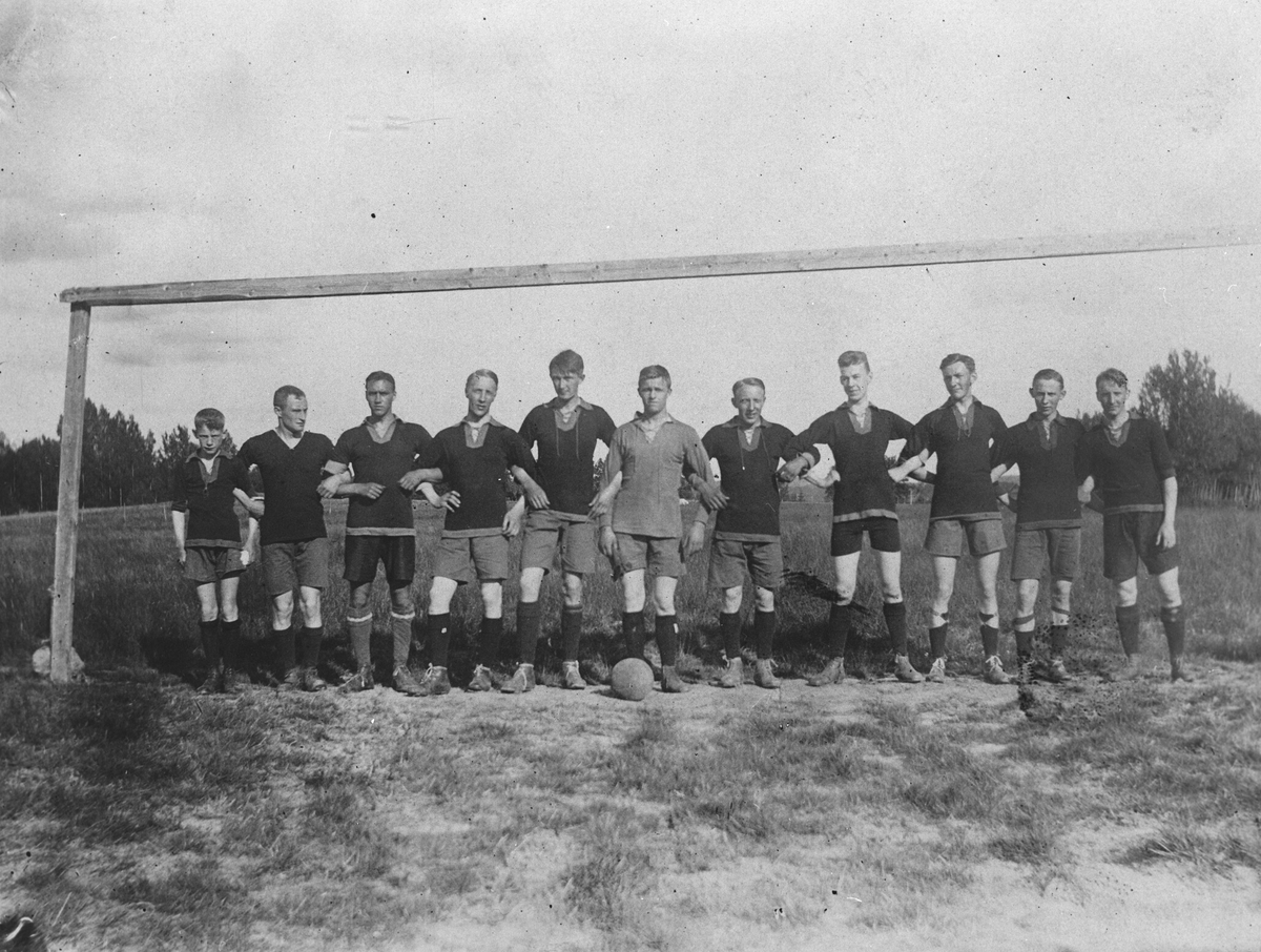 Oppegård Idrettslag på fotballkamp i Kråkstad