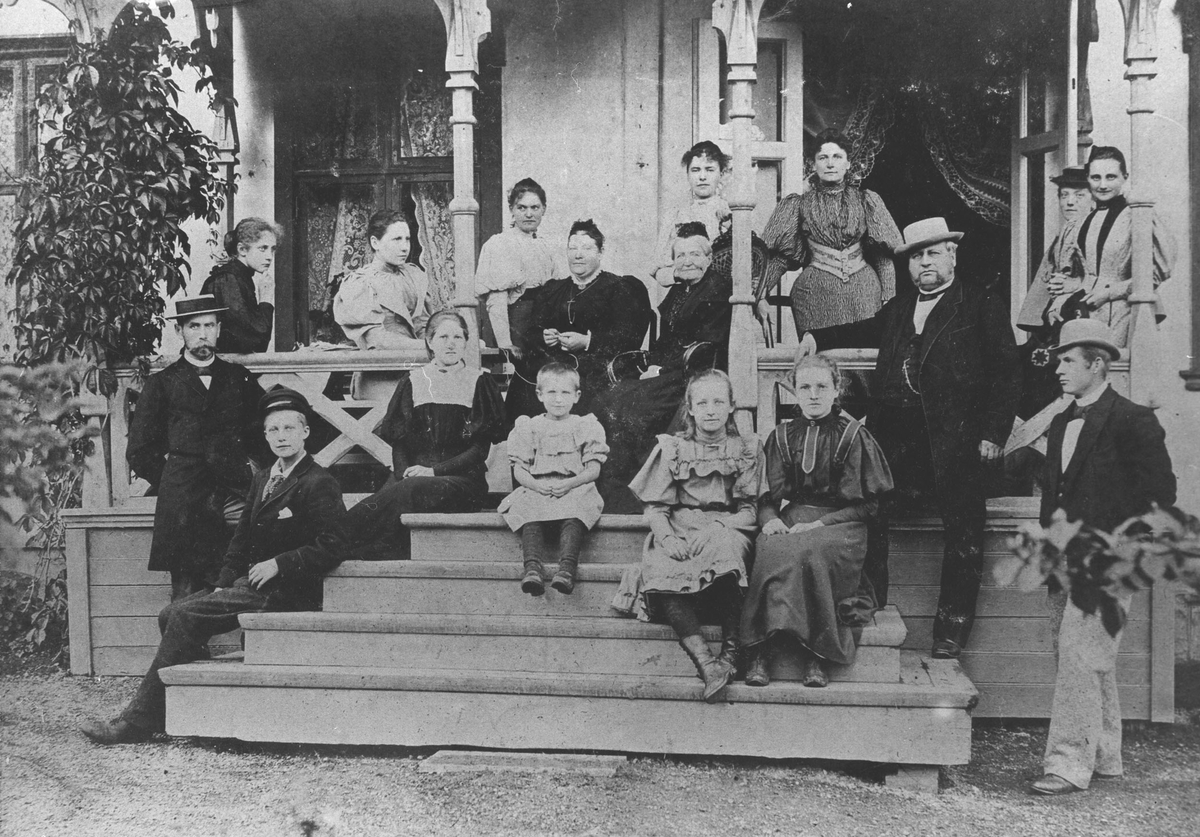 Familiebilde tatt på Folkevang 1894