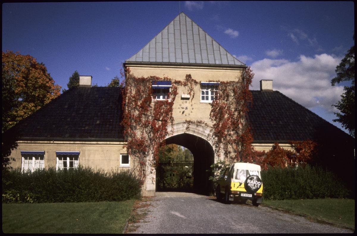 Innkjørsel til portalen på Lagåsen