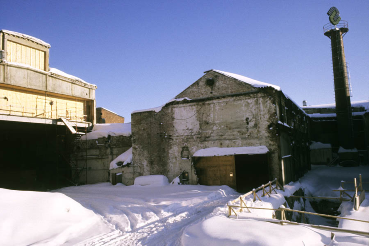 Strømmen Staal under ombygging til Strømmen Storenter, vinter eksteriør