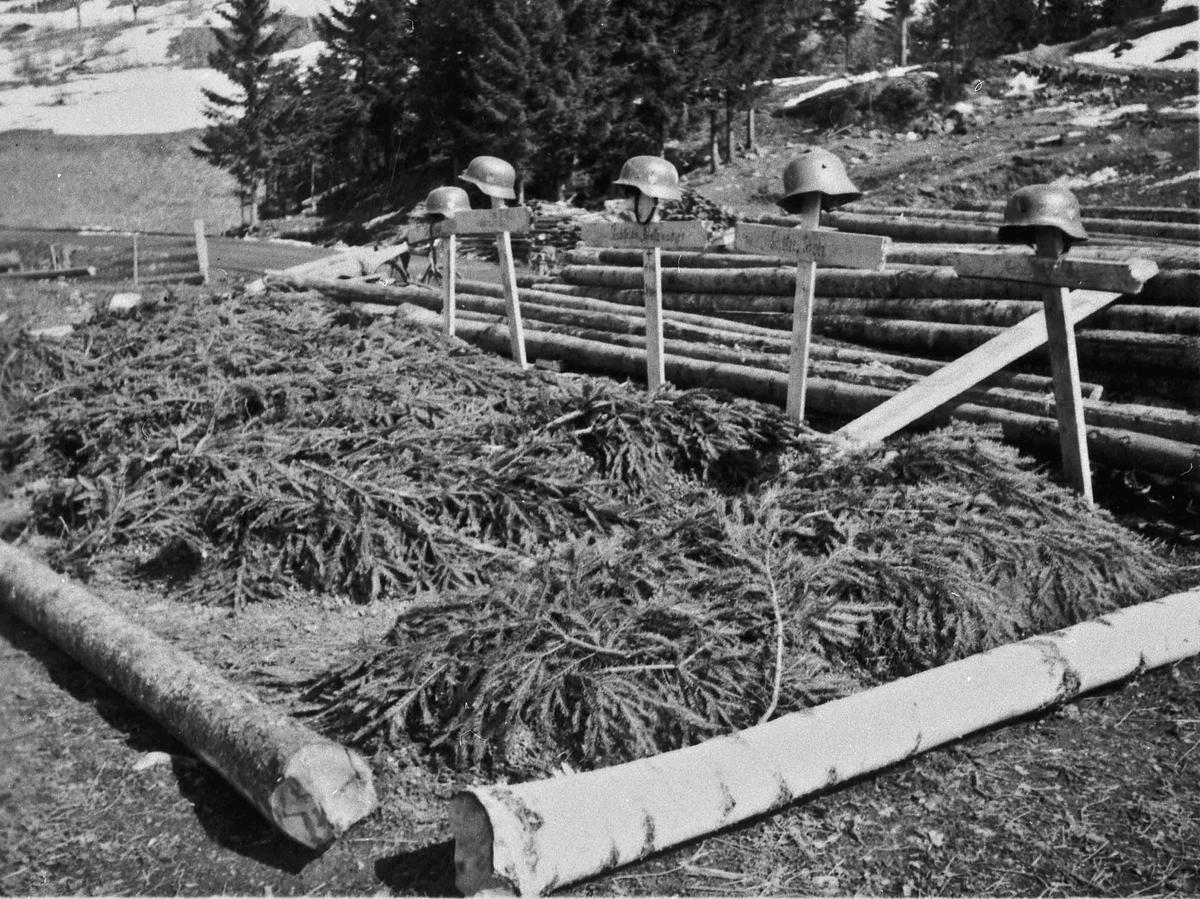 Provisoriske tyske graver etter kampene ved Morskogen.