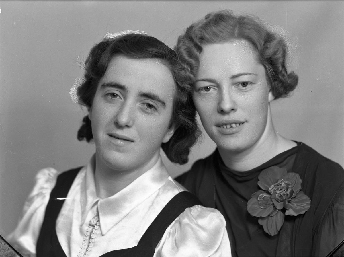 Jenter, Hvam 1940.