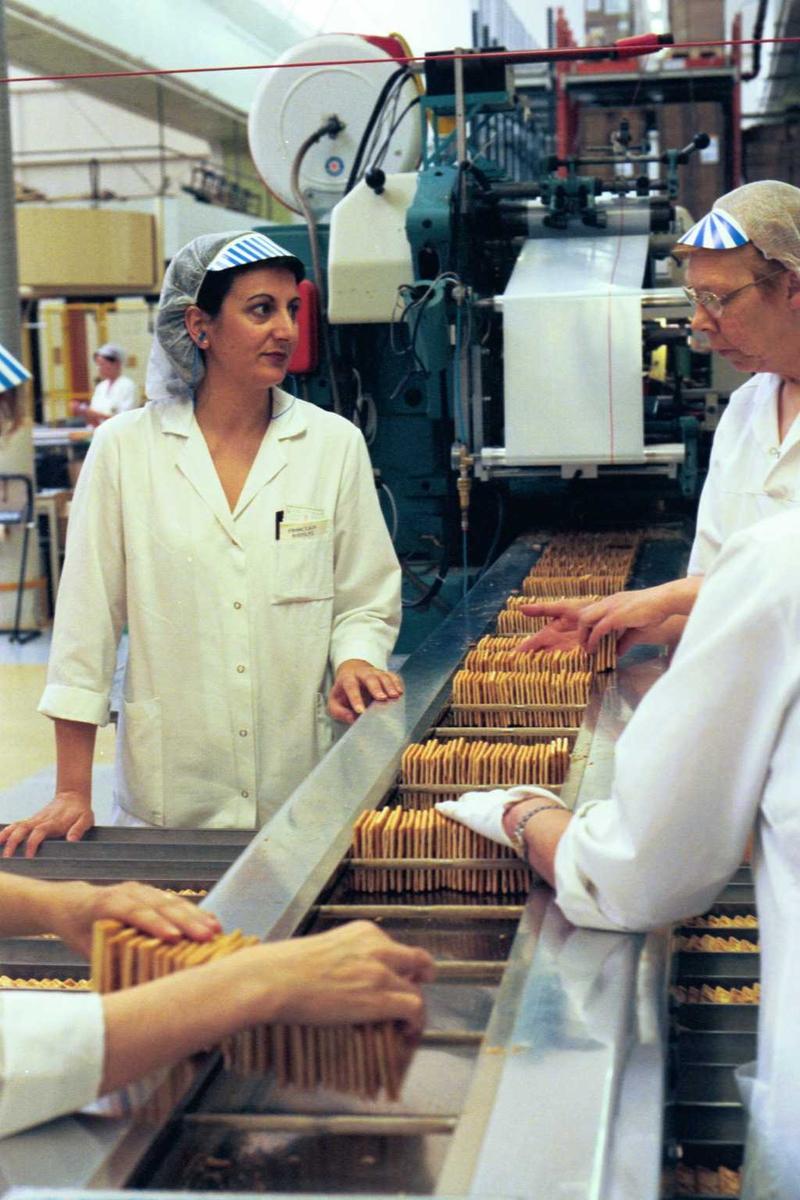 Cream Cracker, kjeks, maskiner, arbeidere, arbeidstøy, kvinner, fabrikkmiljø