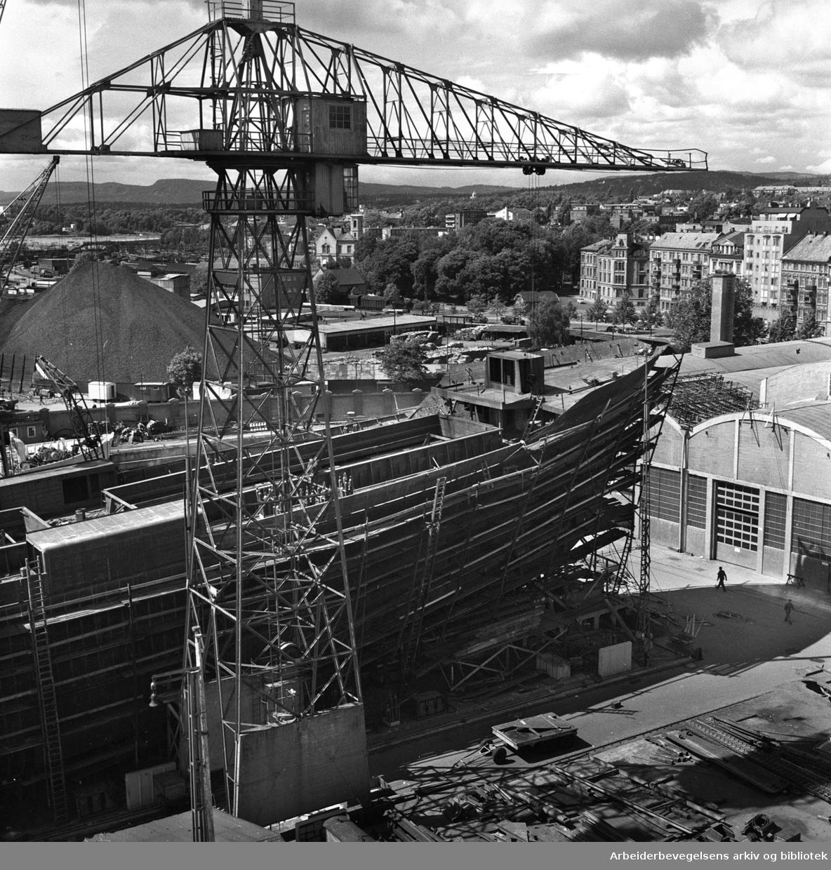 Skipsbygging ved Akers mekaniske verksted,.juli 1957