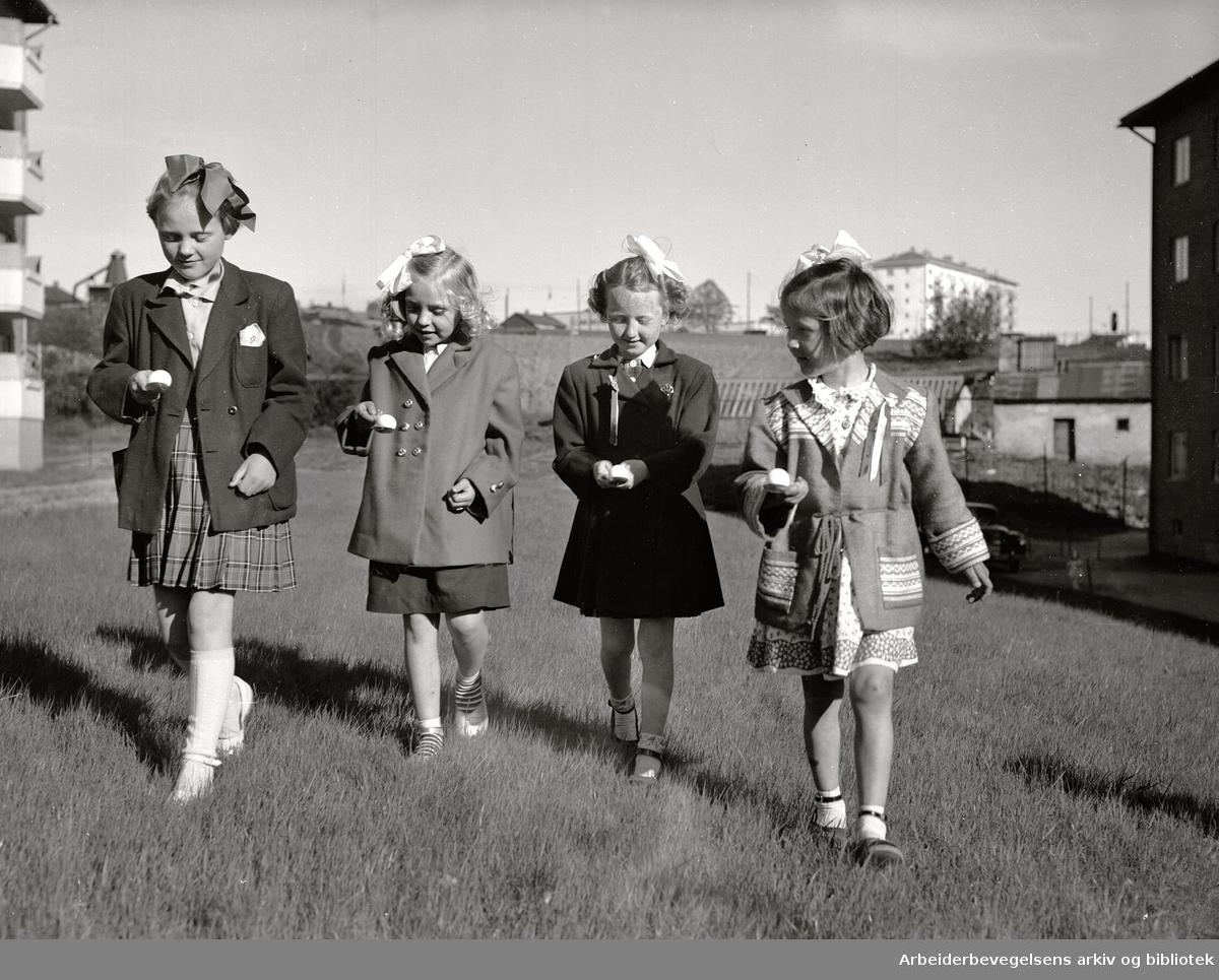 Boligselskapene fester med de minste på Søndre Åsen,.17. mai 1952.