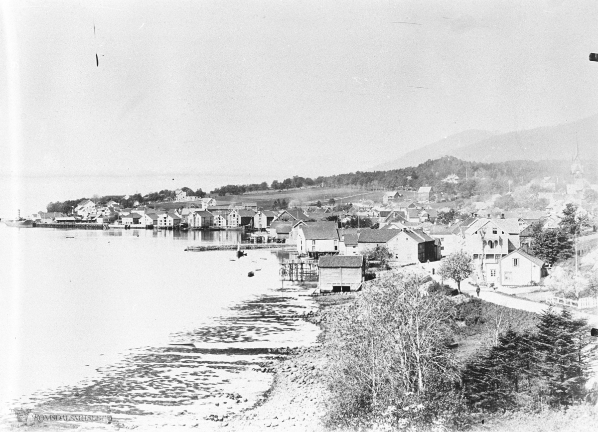 Molde i panorama sett fra Øst, Molde sentrum sett fra Grand. ca 1910..(Bilde erstattes av originalbilde fra kirkhorns glassplater)