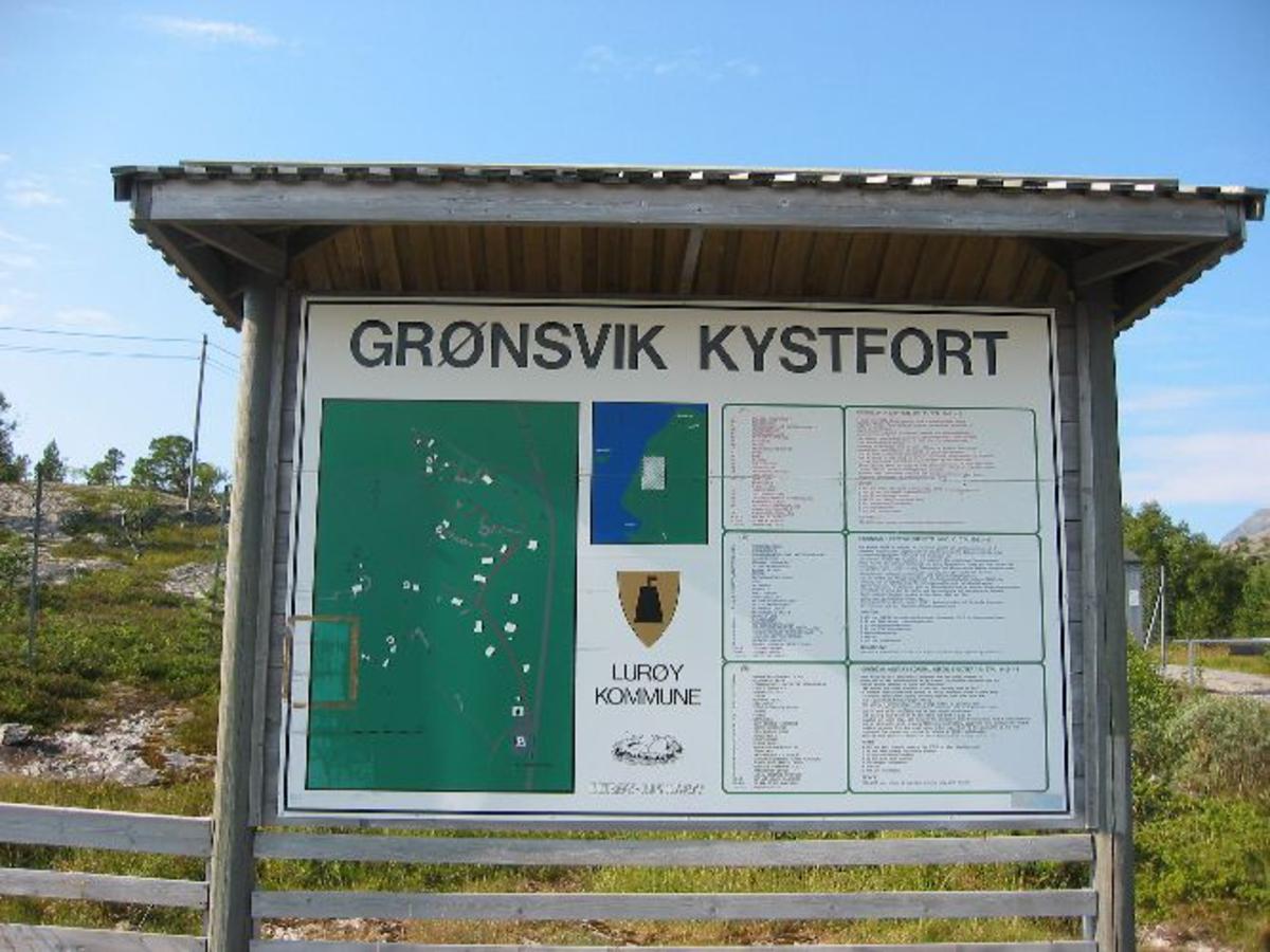 kart og bilder Skilt om Grønsvik kystfort   Krigsminnesmerker i Norge  kart og bilder