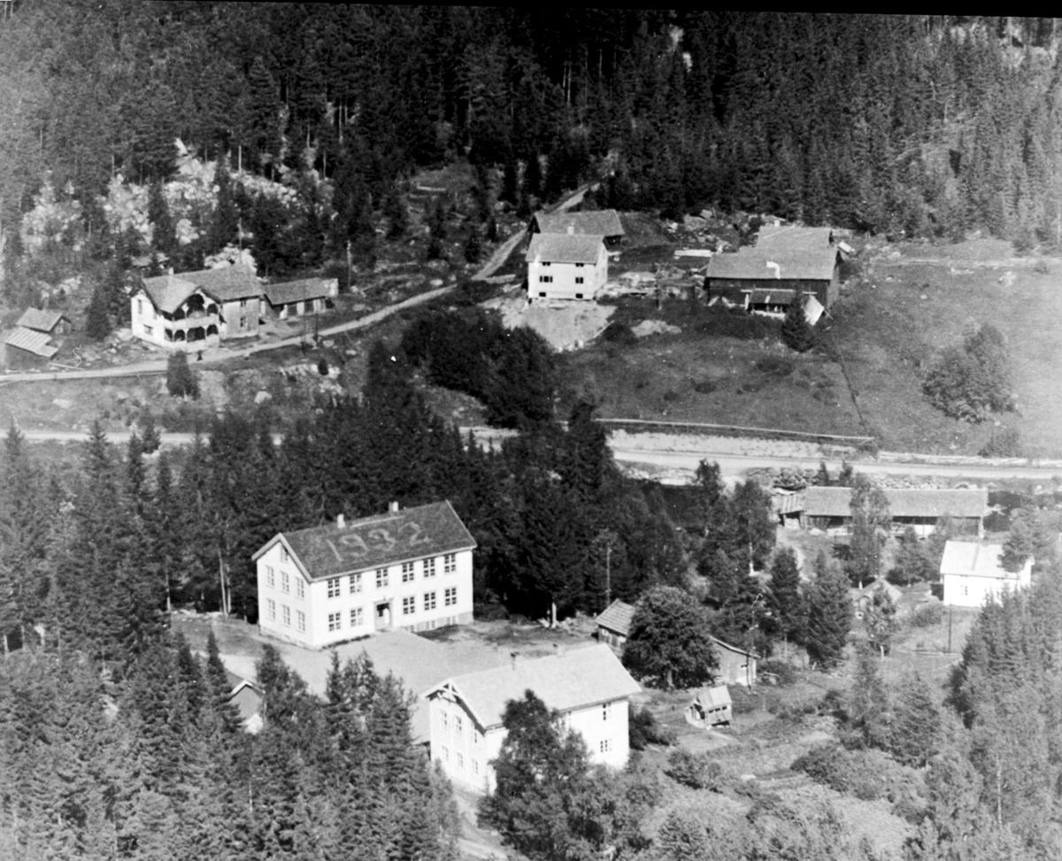 Flyfoto av fagernes skole, Næroset, Ringsaker.