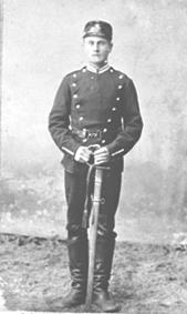 LARS JOHANSEN ÅSVESTAD FØDT: 03. 06. 1884, MILITÆRUNIFORM, SOLDAT, ÅSVESTAD VESTRE