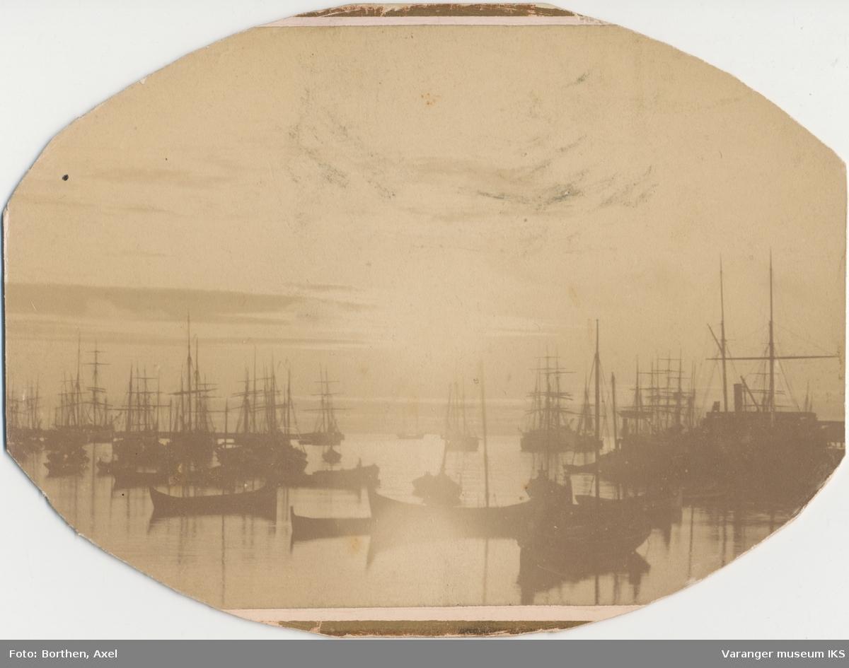 Nordre Våg i midnattsol, ca. 1890