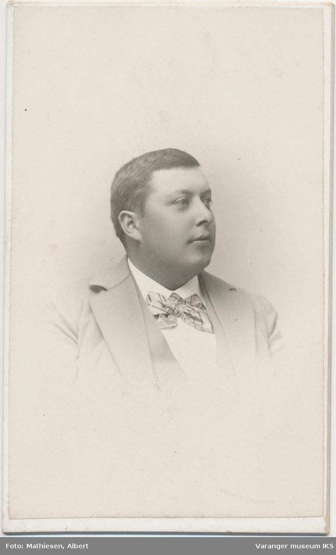 Portrett, Karl Holmboe