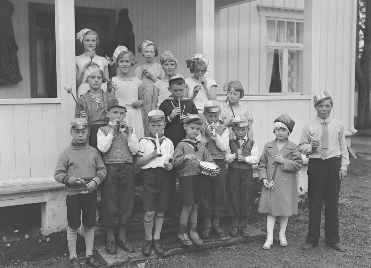Falkangers personale med familier på tur til Brøttem i Klæbu