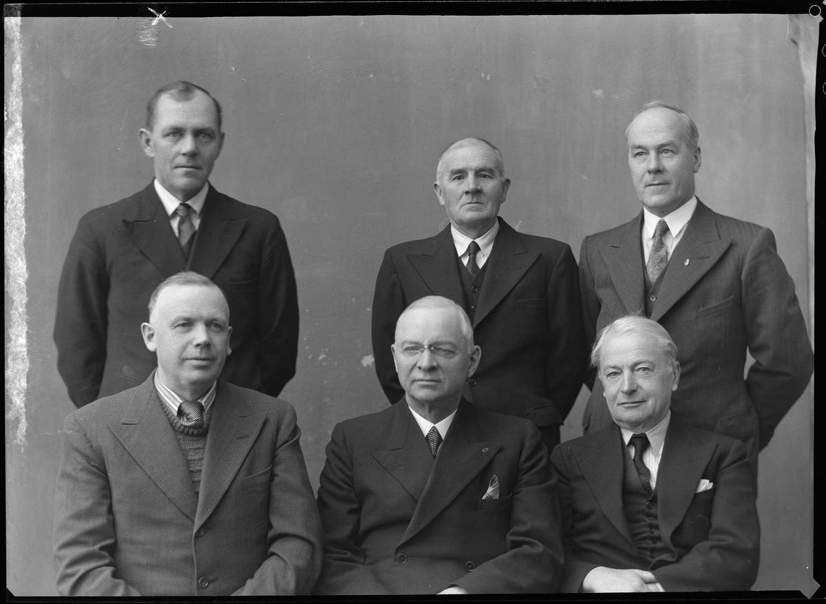 Jubileumskomiteen for feiringa av 300-årsjubileet i Røros Kobberverk i 1946