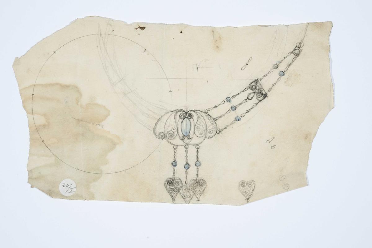 Skisse av halssmykke med blader, stener og filigran