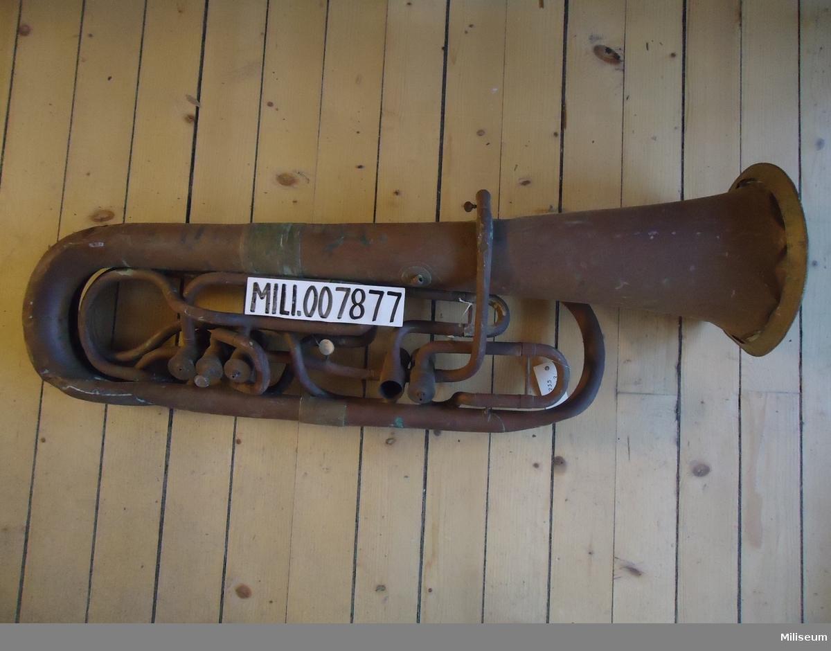 Tuba, av mässing. Sent 1800-tal.