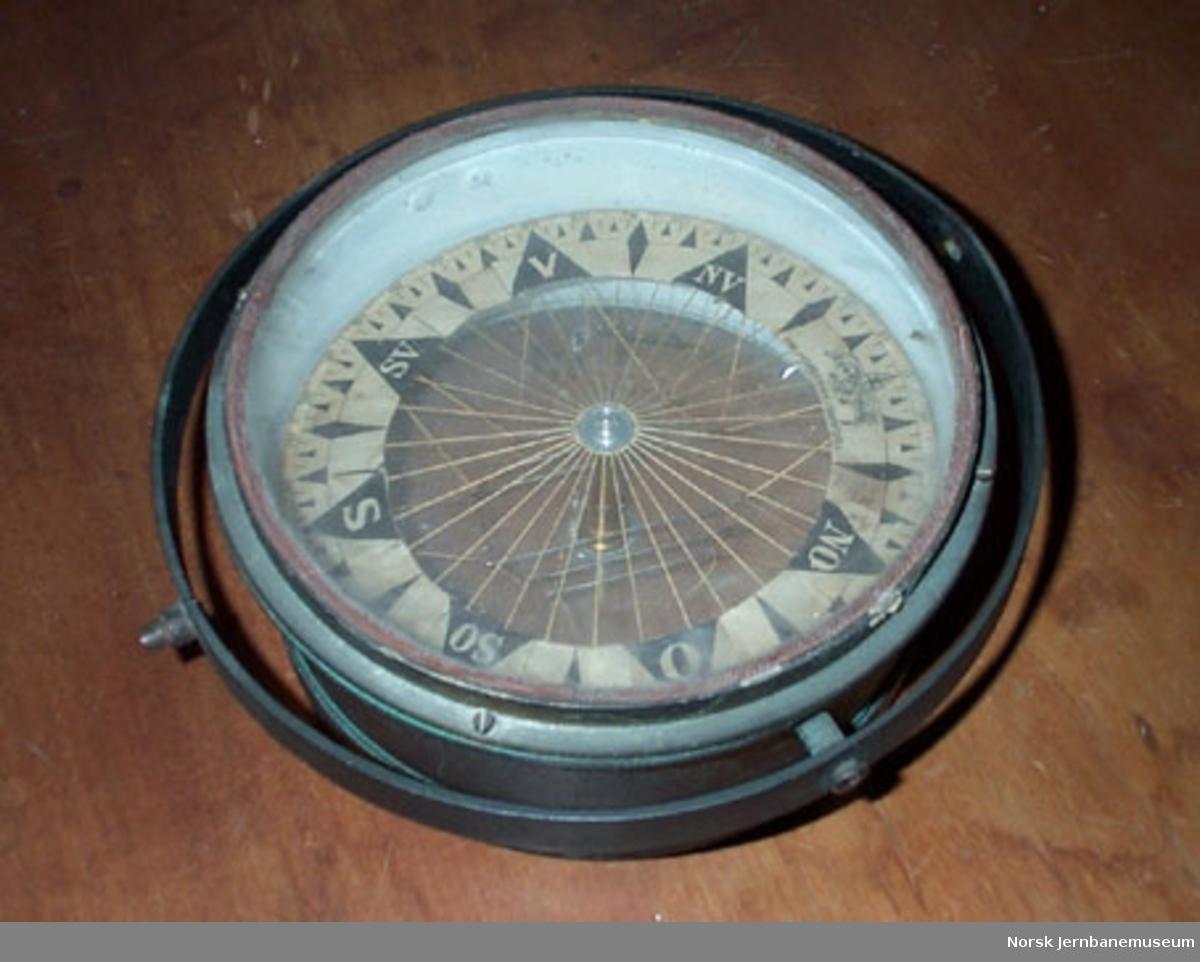 Kompass fra D/S Bægna