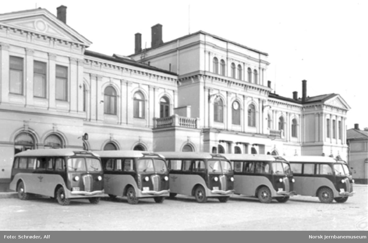 Nye Diamond T-busser med karosseri fra Bjarne Bergs Karosserifabrikk i Trondheim til NSBs bilruter, Trondheim