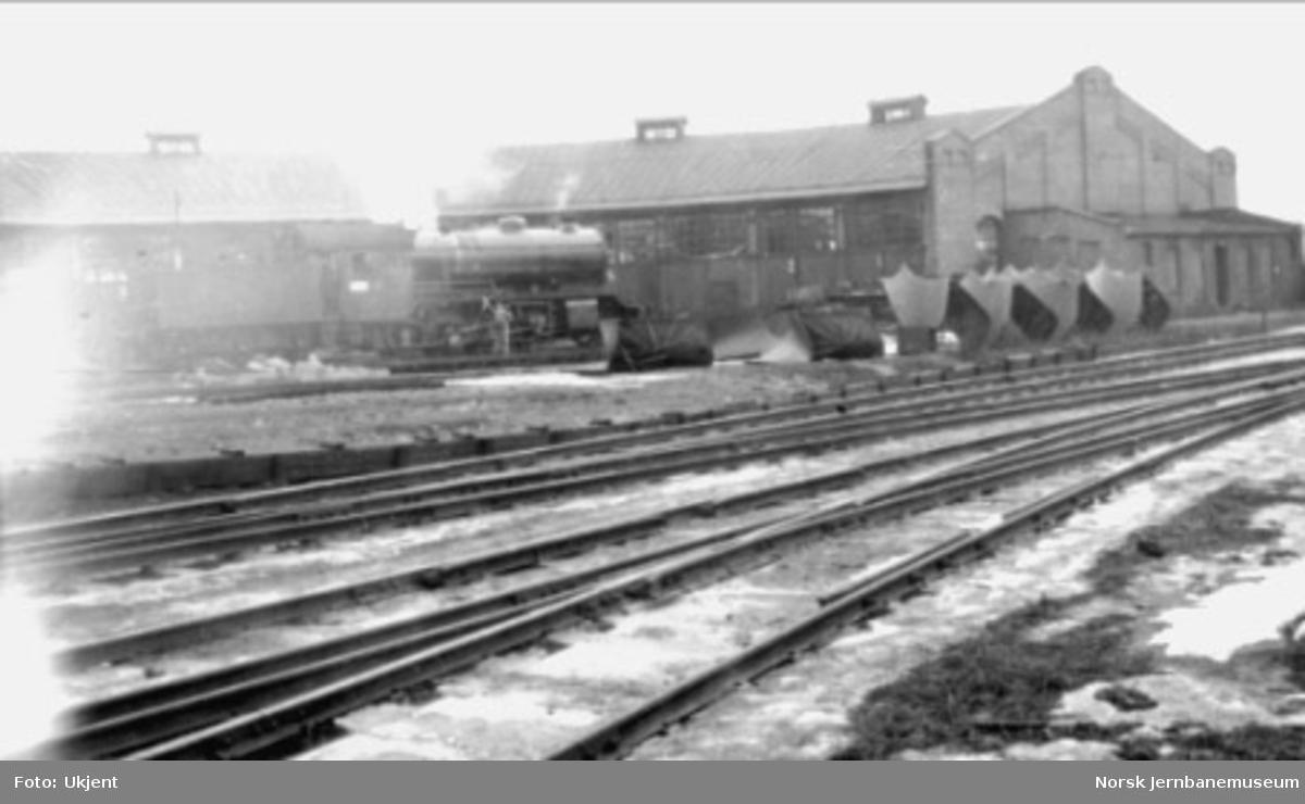 Ringstallen på Hamar med damplokomotiv type 47a