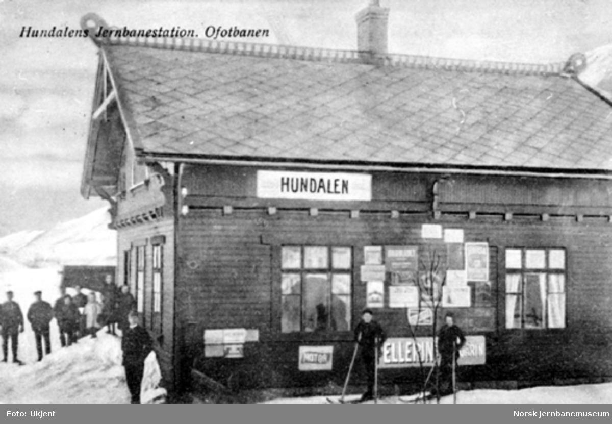 Katterat (Hundalen) stasjonsbygning, vinterbilde