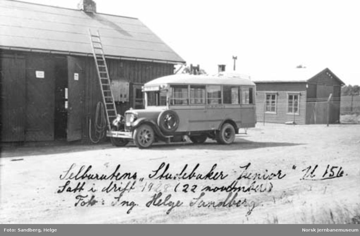 Selburutens buss U-156 merke Studebaker Junior