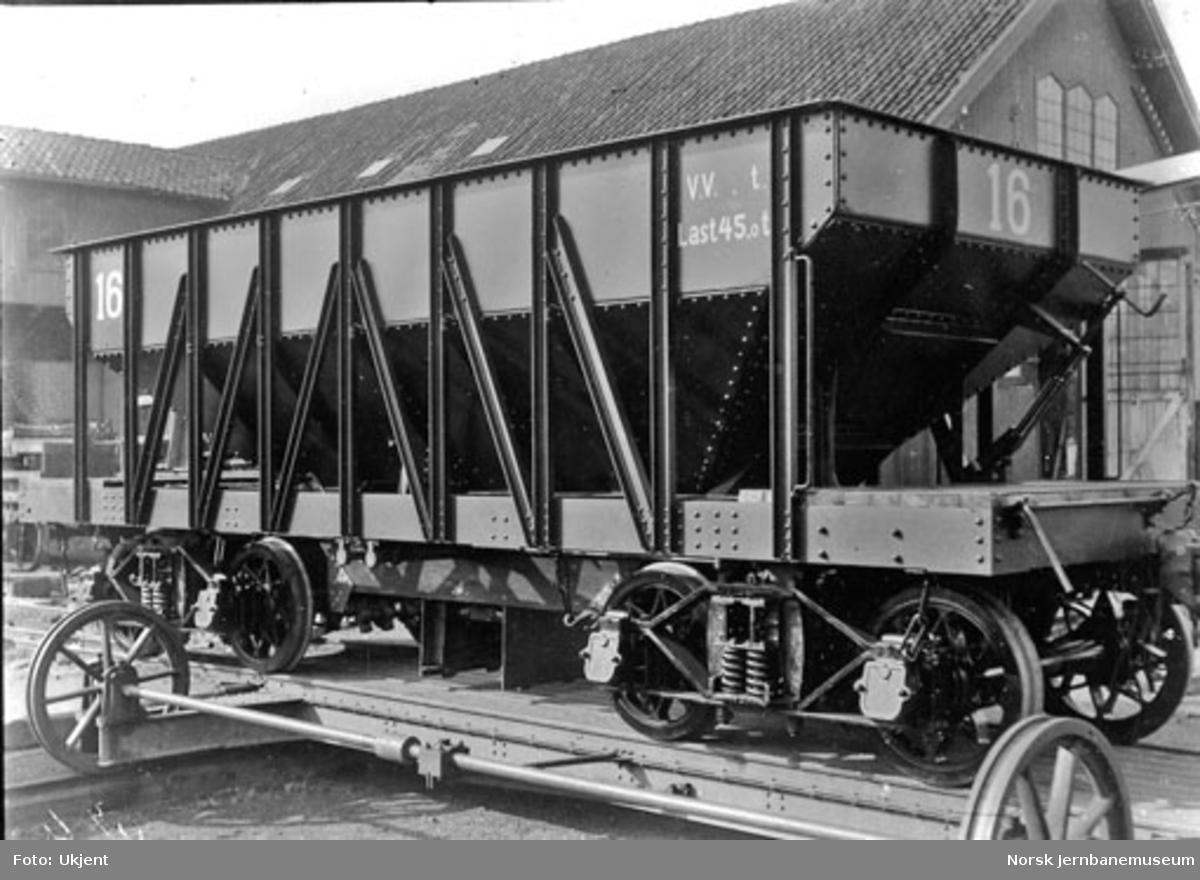Sydvarangers kisvogn nr. 16 på Skabo Jernbanevognfabrik