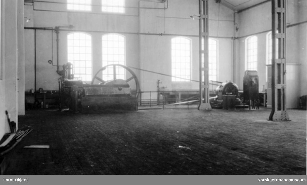 Kjelsmien Verkstedet Sundland : luftkompressor for 150 hestekrefter i kjelsmien