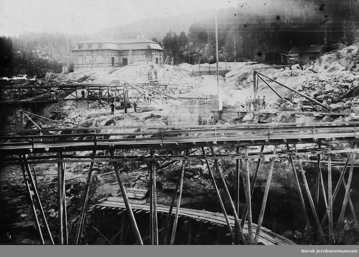 Bygging av ukjent kraftstasjon