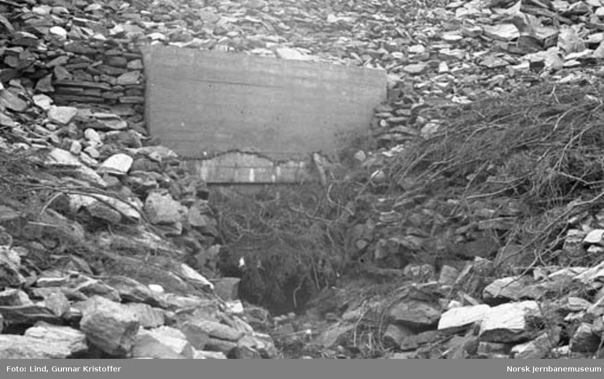 Nordlandsbaneanlegget : stikkrenne sør for Gulbekkhei