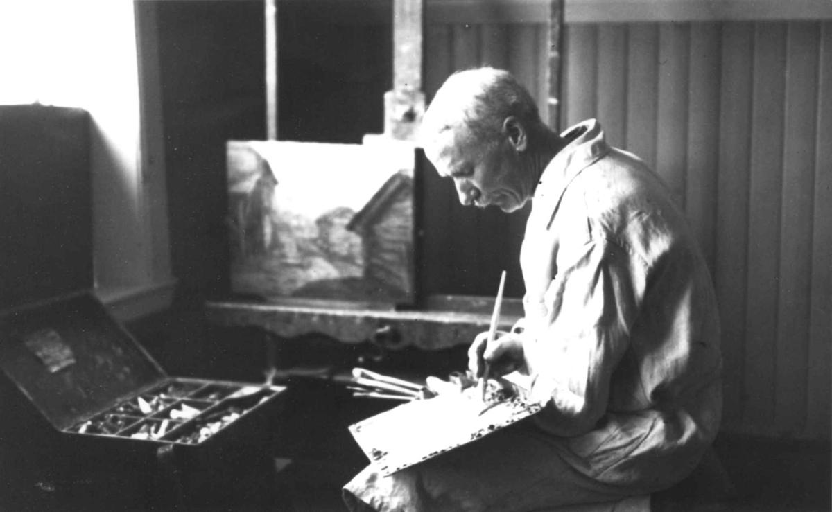 Kunstmaler Nils Bjørgum, fotografert ca. 1925.