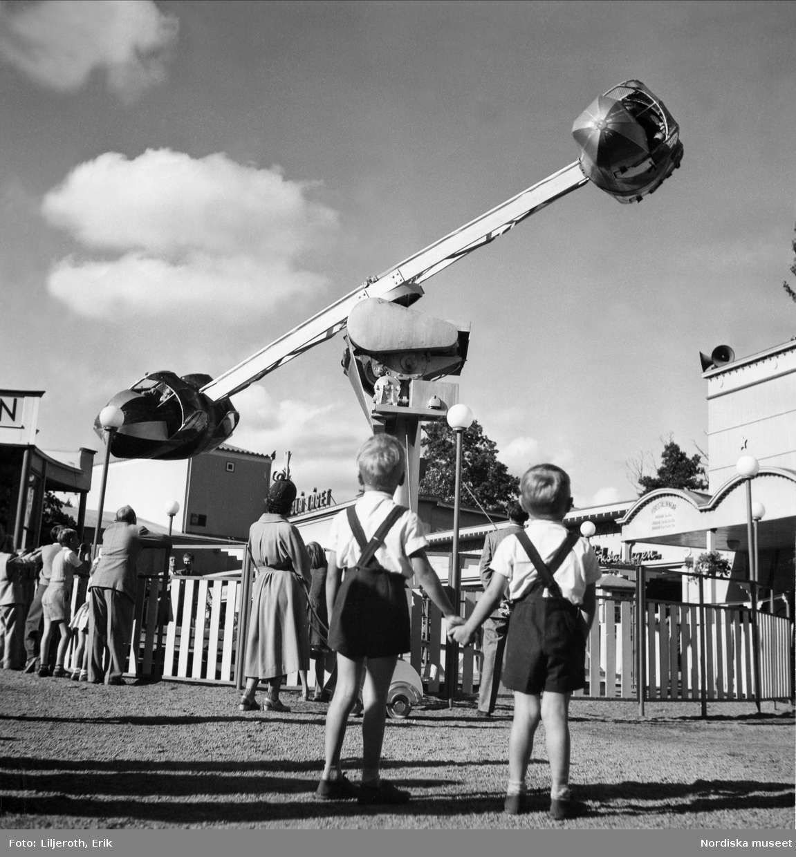Göteborg. Karusell på Lisebergs nöjesfält