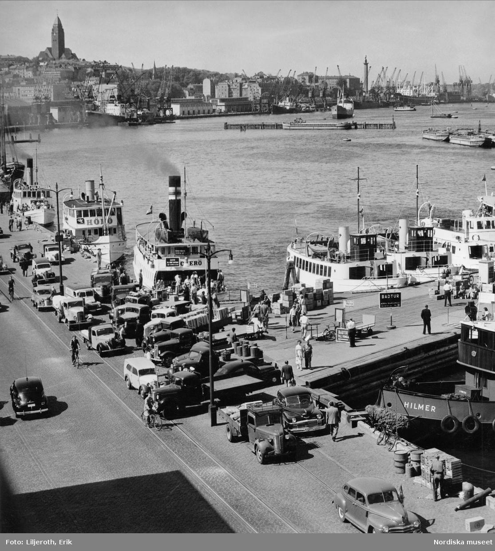 Göteborg. Fartyg vid kaj längs Göta älv