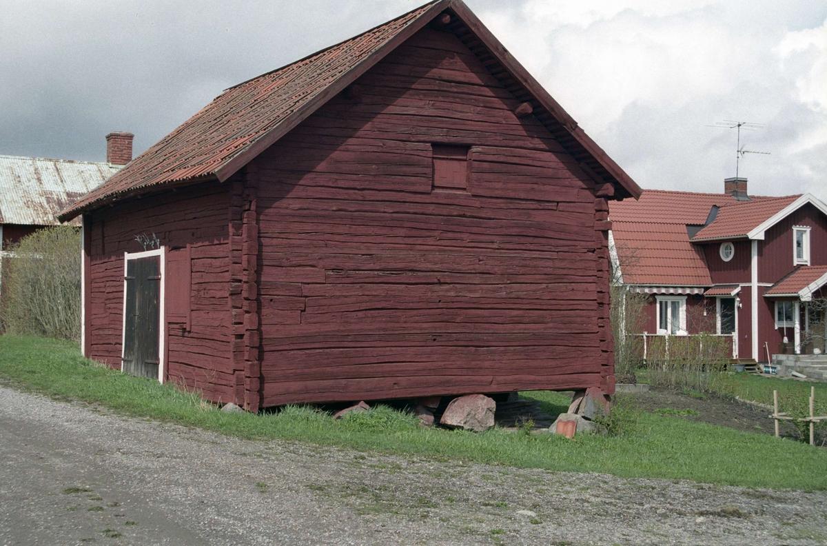 Ekonomibyggnad i Brunnsta, Övergrans socken, Uppland 1995
