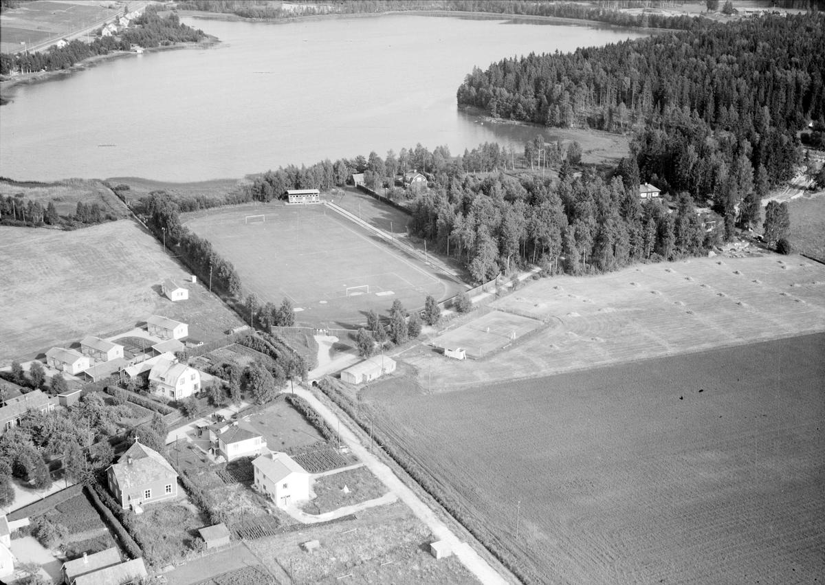 Flygfotografi över Morgongåva, Vittinge socken, Uppland år 1953