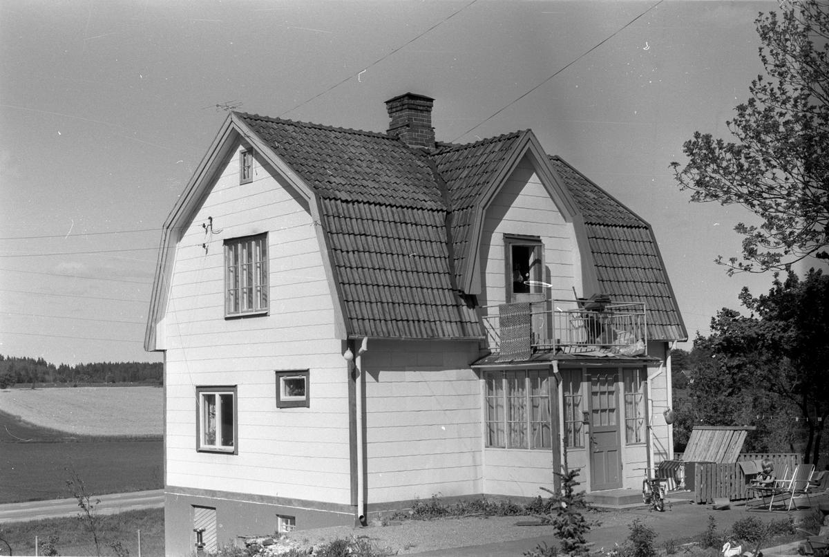 Bostadshus, Fridhem, Läby socken, Uppland 1975